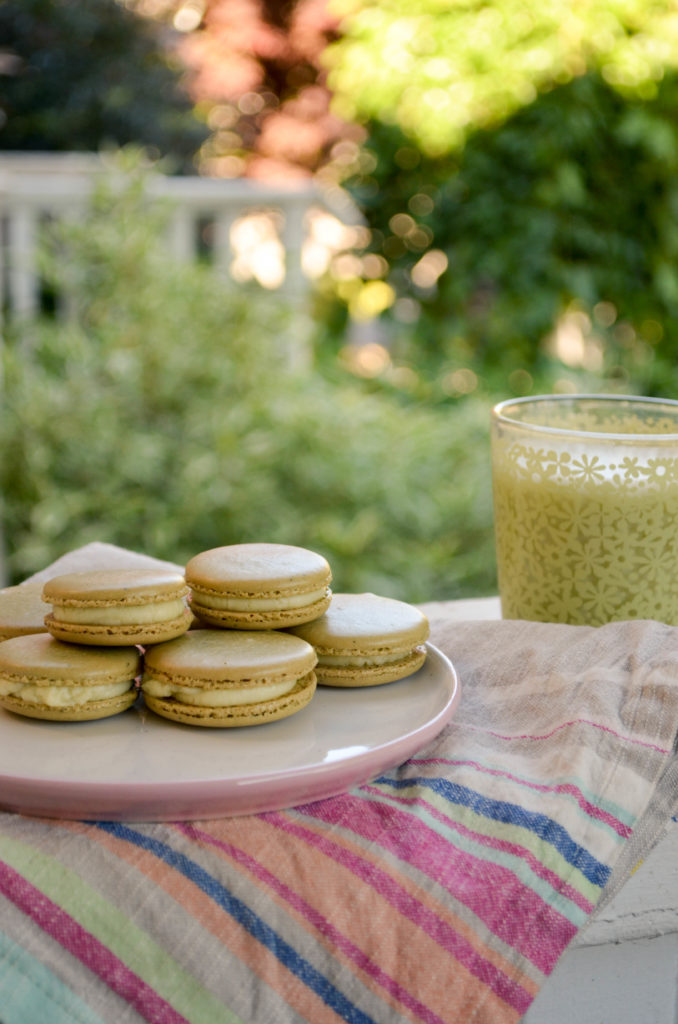 Matcha Macarons with White Chocolate Ganache | Sophster-Toaster